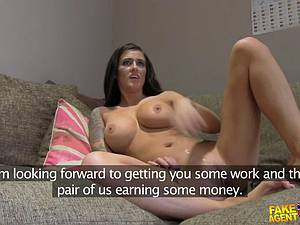 Inked amateur slides her pussy up and down his pillar