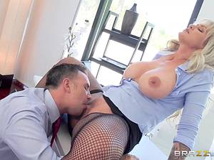 Bitch boss' asshole won't fuck itself