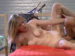 College blonde riding cock in the dorm room
