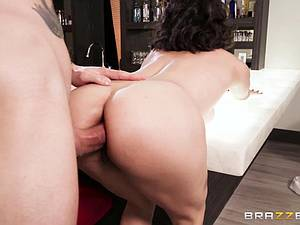 Brooke hires an intern as a boytoy