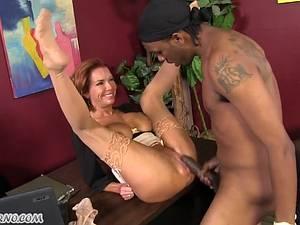 Hot mature Madame Veronica Avluv operates its employee